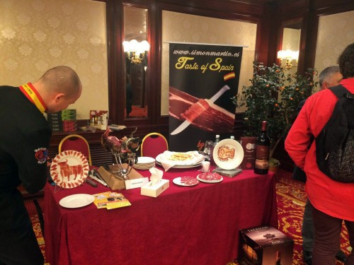 Cortadores de jamón en la Cámara de Comercio de Bolonia